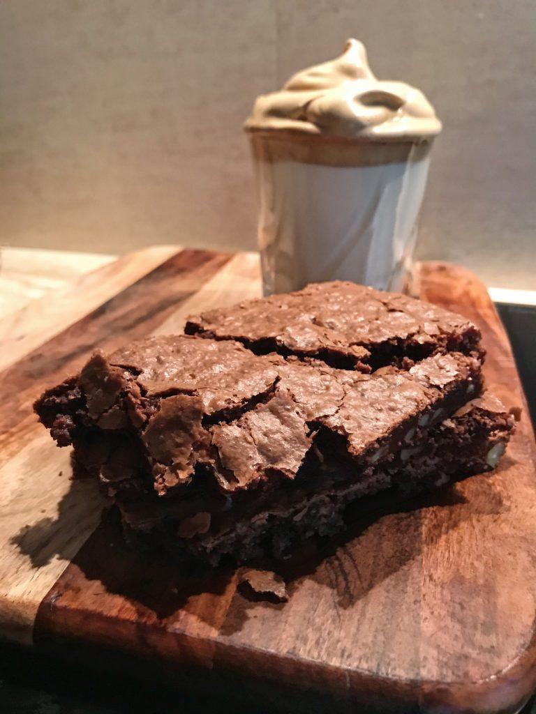 brownie-z-orzechami