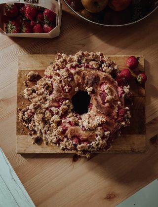 Przepis na Babkę drożdżową z truskawkami - sprawdzony i bardzo smaczny